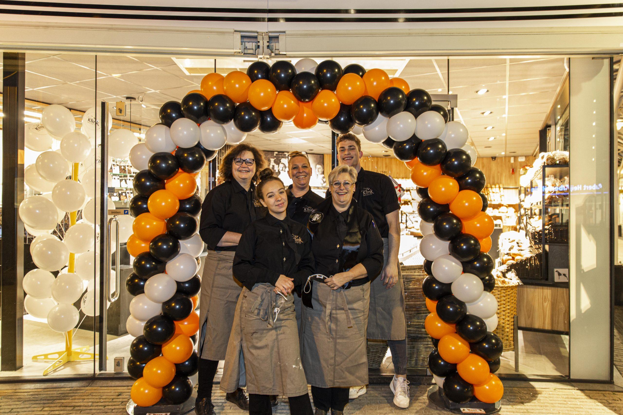 Bakker Klink winkel Koningin Julianalaan opening team