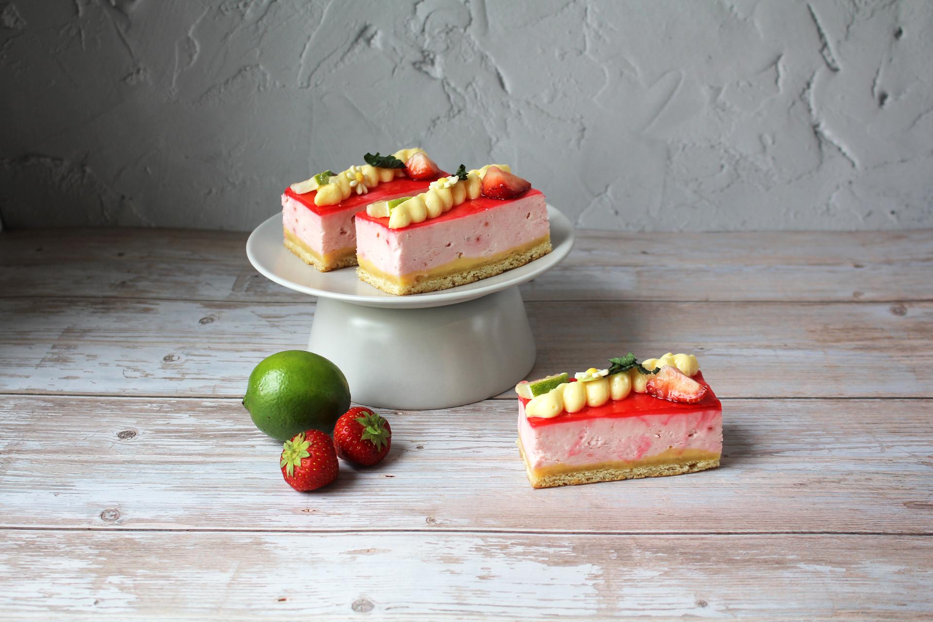 Bakker Klink aardbeien bavaroise gebakjes